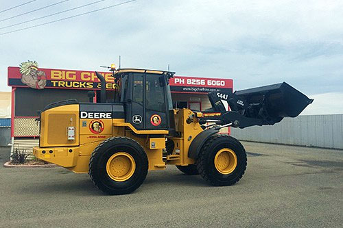 Wheeled loader for hire