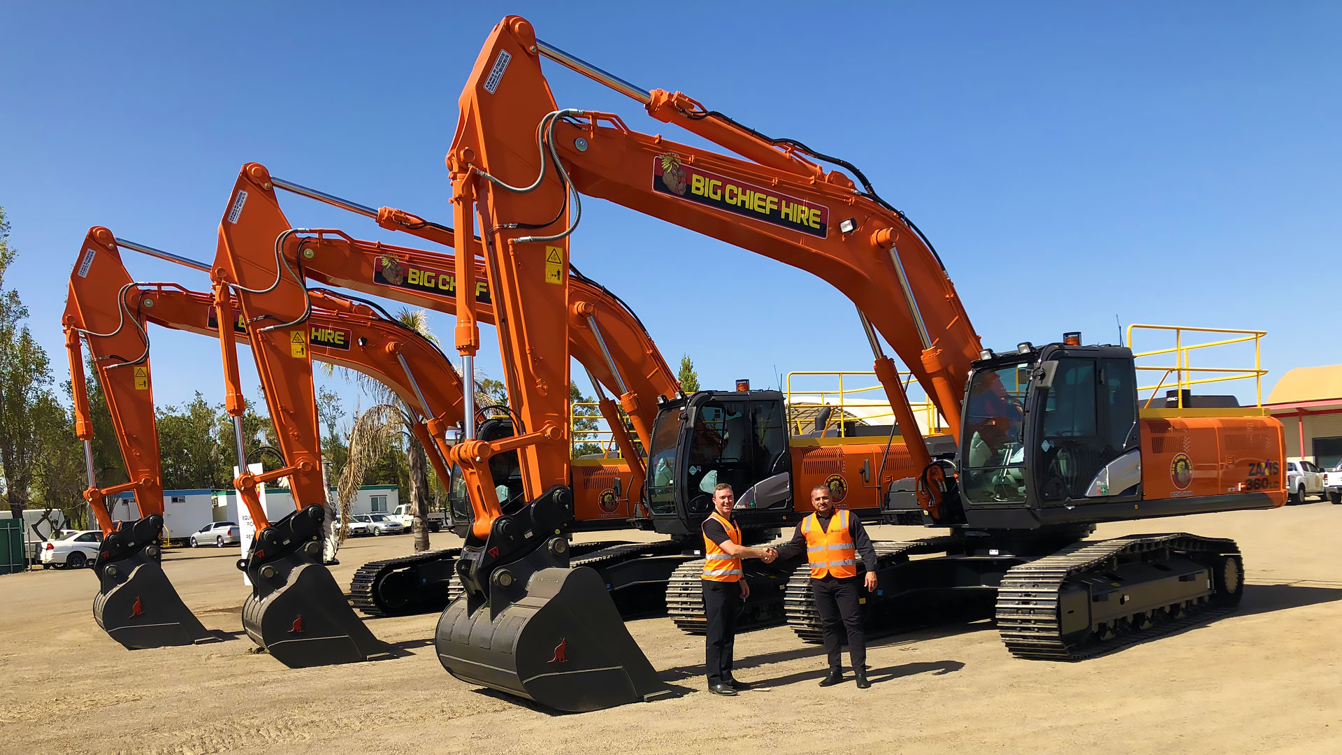 three-new-big-chief-hire-hatachi-excavators-01.jpg